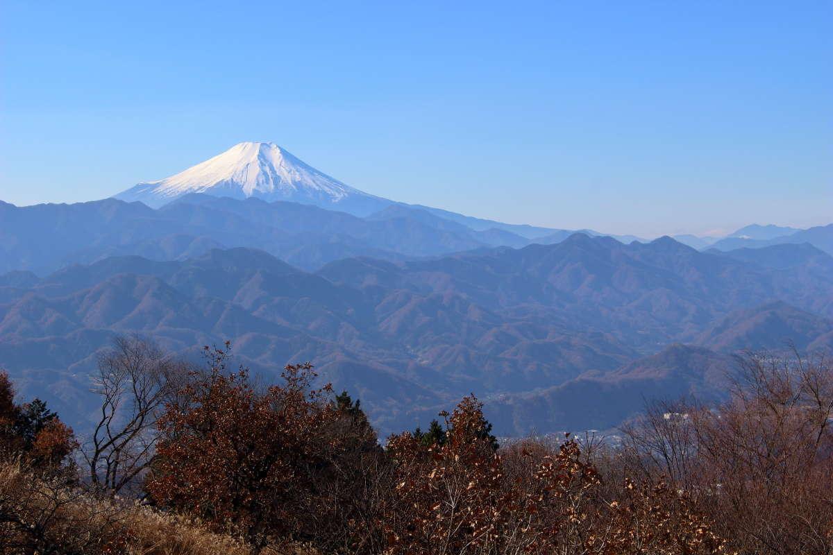 12月に登った時の陣馬山山頂からの絶景!