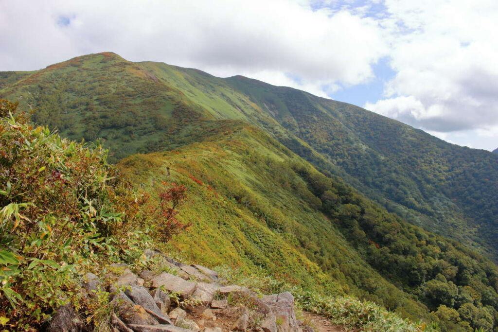 松出山から平標山までは待望の稜線歩き!